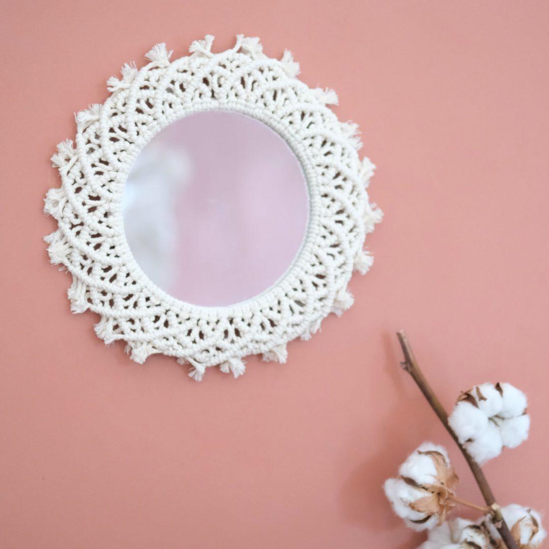 miroir rond mural en macrame